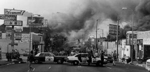 Incendi durante le Los Angeles Riots dopo l'assoluzione dei 5 poliziotti accusati di aver pestato Rodney King